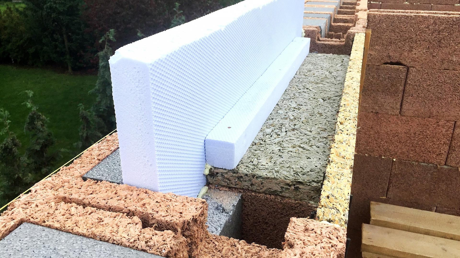 Venkovní žaluzie zajistí tepelné úspory, menší hluk i větší bezpečí obr.68